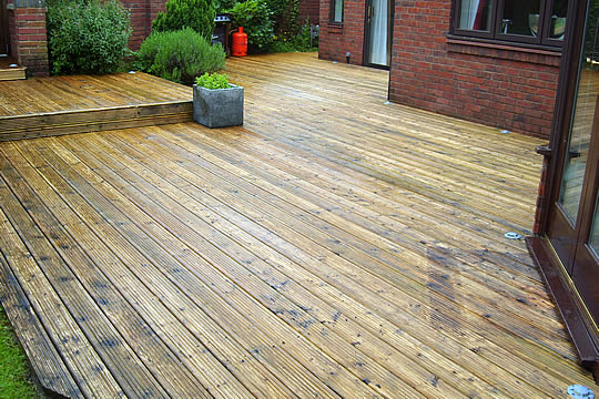 cheshire-decking-cleaning-services